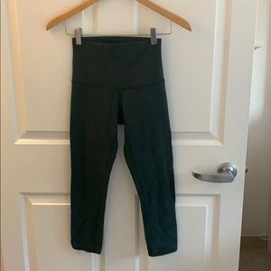 lululemon crop green high-waisted leggings, sz 4